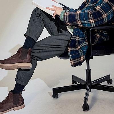 英倫格紋褲腳反褶設計西裝褲-OB大尺碼