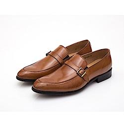 ALLEGREZZA-真皮男鞋-品味流露-鞋面飾釦復古皮紋便鞋  焦糖色