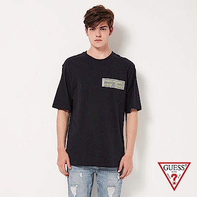 GUESS-男裝-素色交感布條文字短T,T恤-深藍