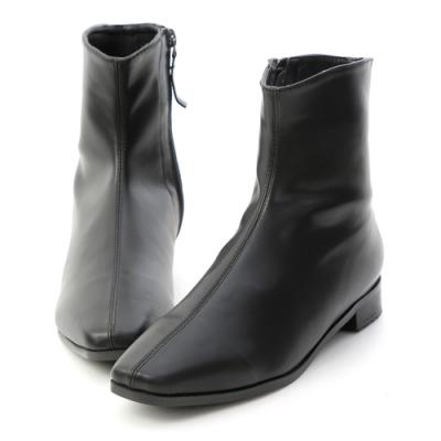 D+AF 獨具風格.素面中車線方頭短靴*黑