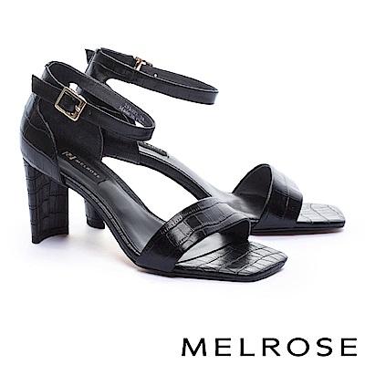 涼鞋 MELROSE 時髦內歛一字鱷魚壓紋牛皮繫帶方高跟涼鞋-黑