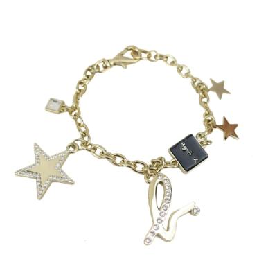 agnes b.方形LOGO水鑽星星吊飾-金