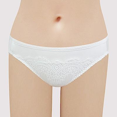 瑪登瑪朵 無限包覆 低腰三角網內褲(牙白)
