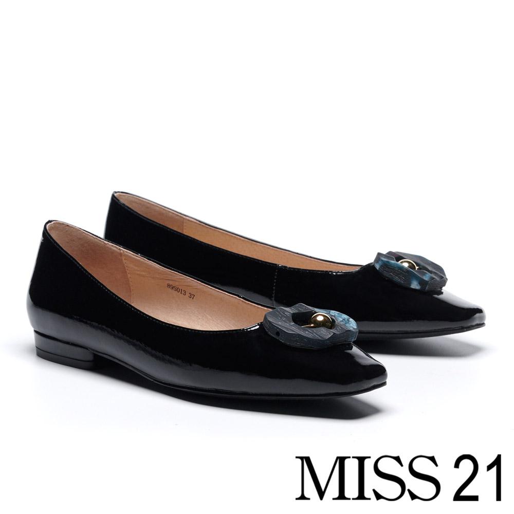 低跟鞋 MISS 21 創意多邊圓珠飾釦漆皮方頭低跟鞋-黑