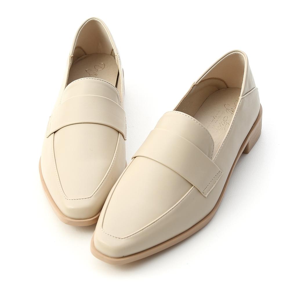 D+AF 定番單品.簡約款微尖頭樂福鞋*米