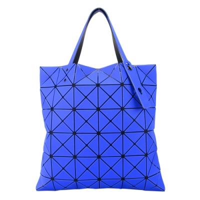 ISSEY MIYAKE 三宅一生 BAOBAO 斜紋三角方格6x6透光手提包-寶藍