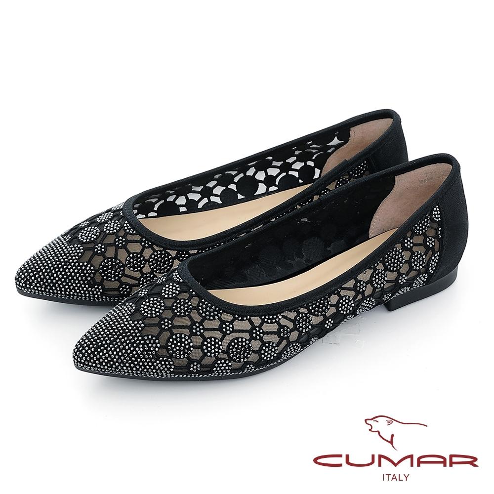 【CUMAR】花朵排鑽尖頭平底娃娃鞋-黑