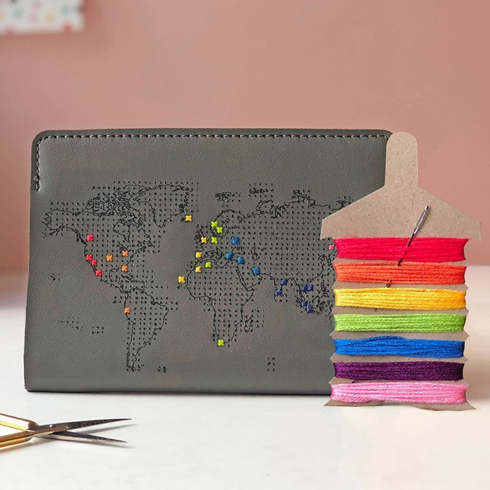 Chasing Threads 夏日盛典 真皮地圖護照套(旅人灰)+彩虹繡線限量超值組