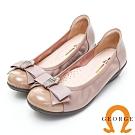 GEORGE 喬治皮鞋 皇冠水鑽蝴蝶結漆皮契型娃娃鞋-粉色