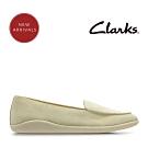 Clarks 春日物語 簡約至上柔軟樂福鞋 奶油色