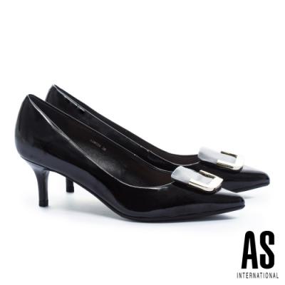 高跟鞋 AS 典雅半方型金屬釦飾牛軟漆皮尖頭高跟鞋-黑