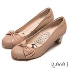 DIANA漫步雲端瞇眼美人款—蝴蝶結閃電壓紋質感真皮跟鞋-棕