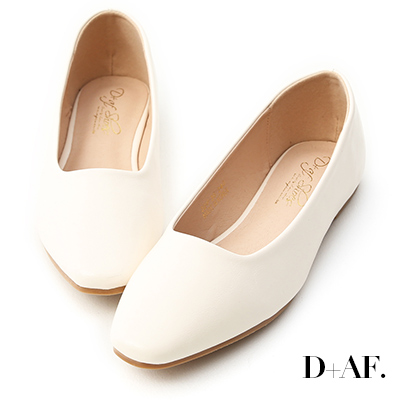 D+AF 溫柔春氛.小方頭素面百搭平底鞋*米