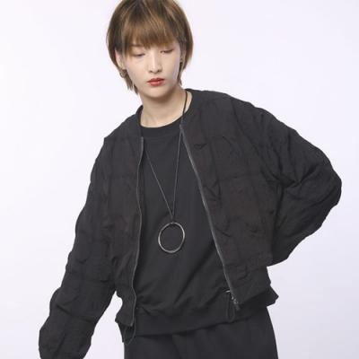 設計所在Style-外套褶皺圓領長袖短版休閒黑色上衣