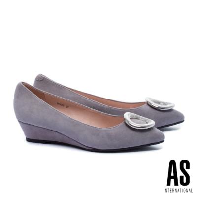 低跟鞋 AS 晶鑽圓釦羊麂皮尖頭楔型低跟鞋-灰