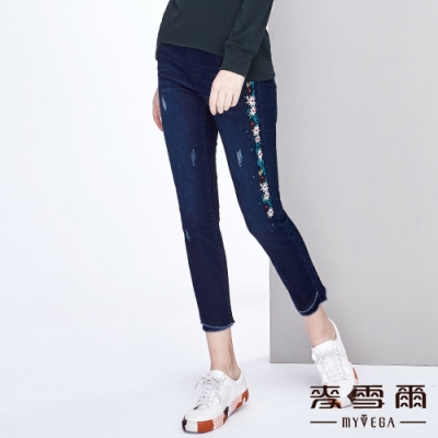 【麥雪爾】棉質花朵刺繡水鑽彈力九分牛仔褲