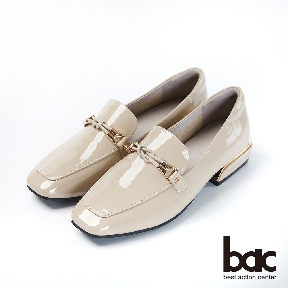 bac愛趣首爾-方頭軟漆皮飾釦樂福鞋平底鞋-寧靜灰