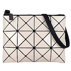 ISSEY MIYAKE 三宅一生BAOBAO三角方格3x4小型斜背包(米)