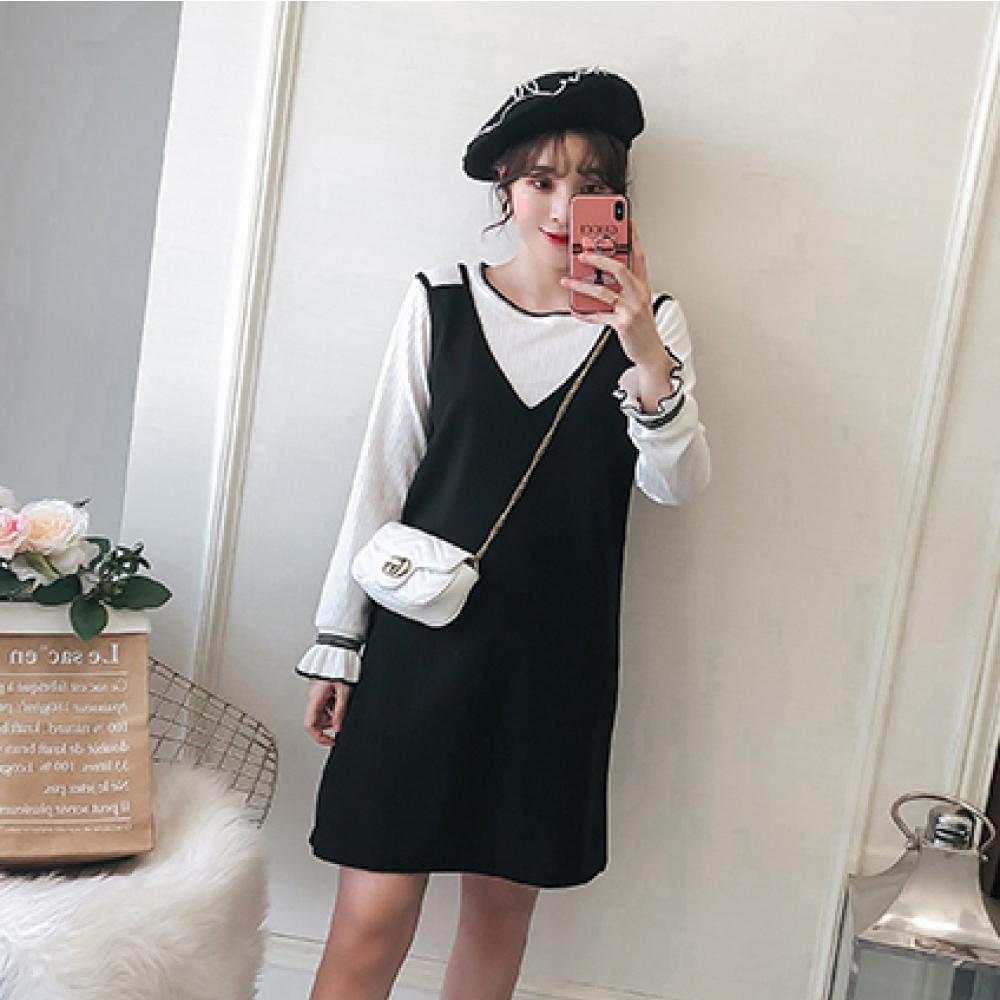 中大尺碼白色羅紋滾邊荷葉袖加黑色大V領背心裙洋裝XL~4L-Ballet Dolly
