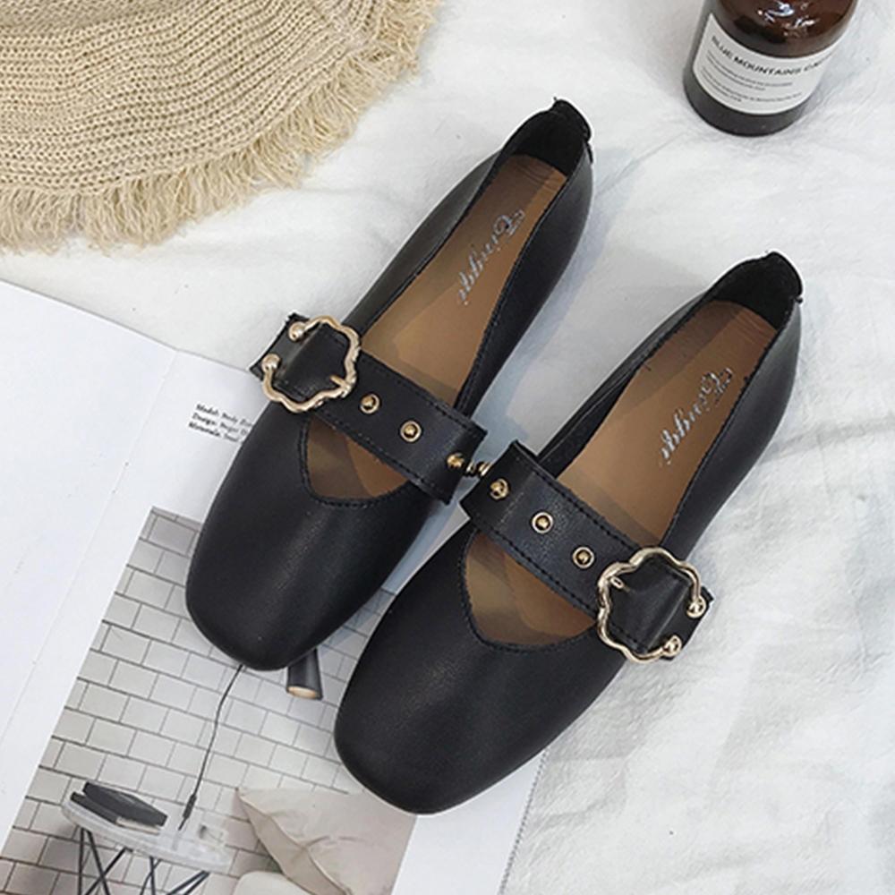 KEITH-WILL時尚鞋館 舞漾花蝶皮带扣淺口平底鞋 黑