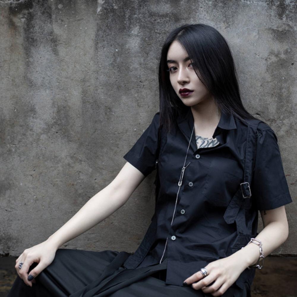 設計所在Style-寵克風格背帶裝飾中性短袖襯衫