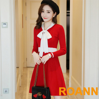 V領撞色蝴蝶結A字針織洋裝 (共二色)-ROANN