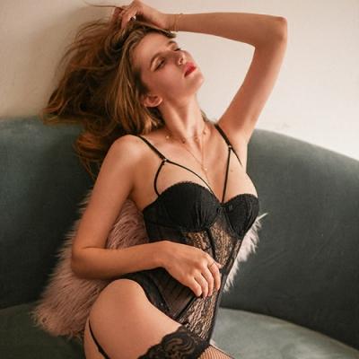 情趣睡衣-性感深V蕾絲馬甲(不含吊帶襪) EM衣柔魅姬-黑色