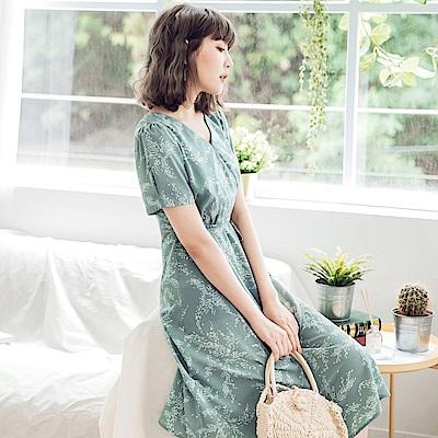 滿版印花涼感V領腰綁帶不易皺短袖洋裝-OB大尺碼