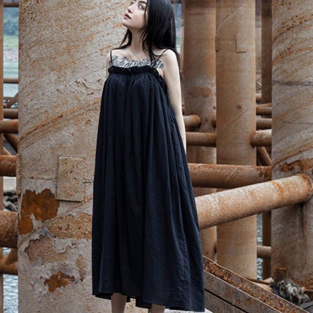 設計所在Style-褶皺麻料吊帶仙女中長版洋裝