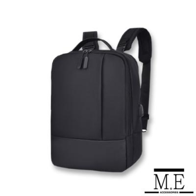 M.E 男女款時尚休閒大容量USB充電孔設計雙肩後背包 黑