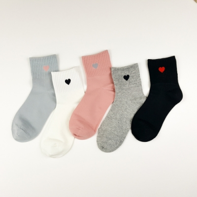 HADAY 女襪 愛心點點 中筒短棉襪 吸濕透氣 5入組-甜美風百搭好看  四季可穿