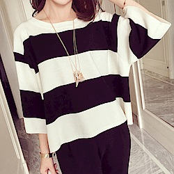 Jilli-ko 春夏款寬鬆條紋針織衫- 黑條