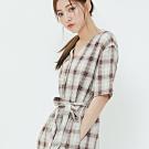 H:CONNECT 韓國品牌 女裝-腰間綁帶排扣格紋洋裝-棕