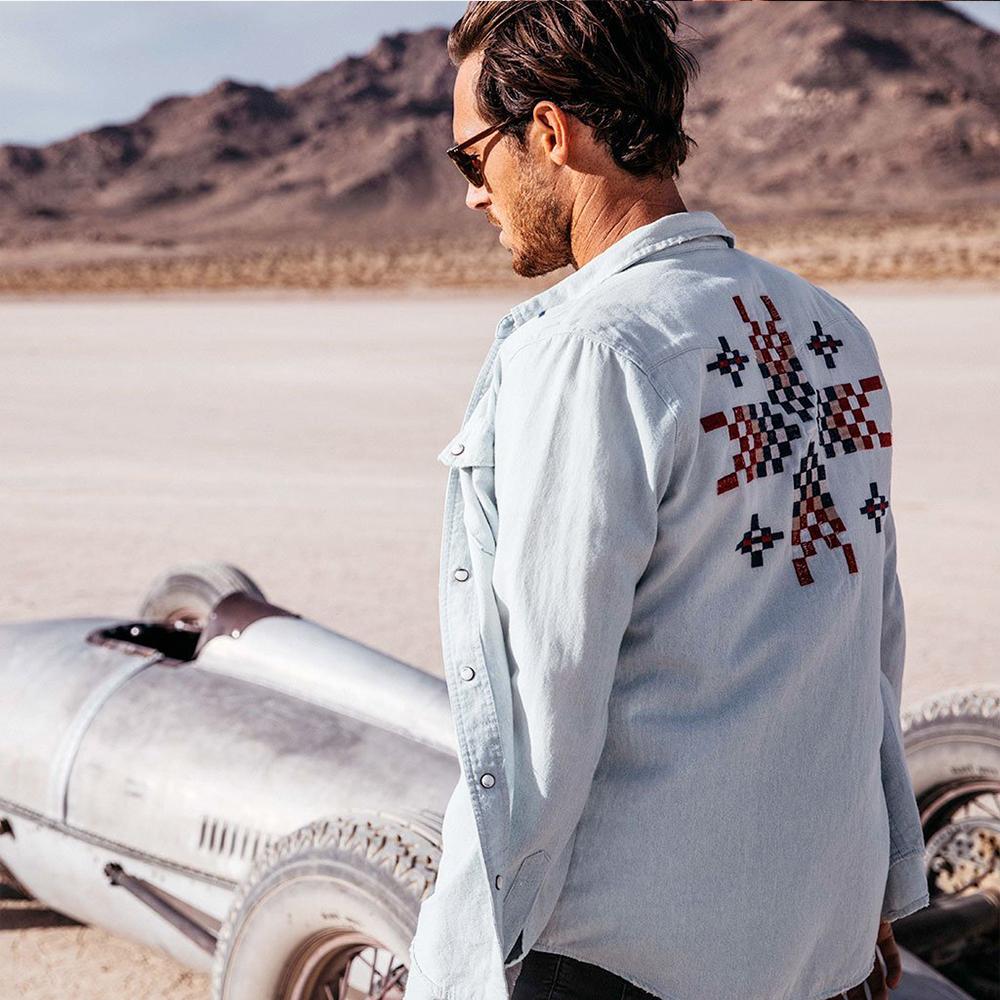 Deus Ex Machina 刺繡刷色單寧襯衫