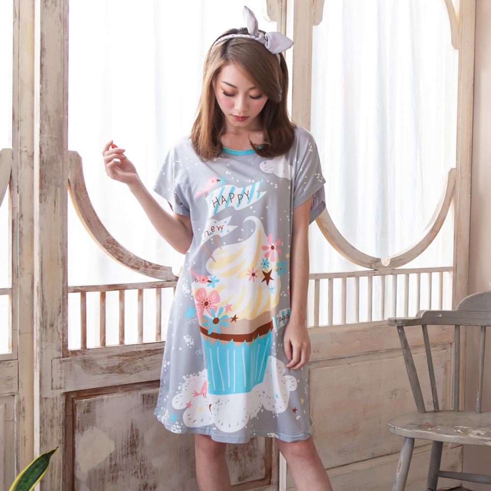 睡衣 牛奶絲質短袖連身睡衣(C01-100567繽紛杯子蛋糕) Young Curves