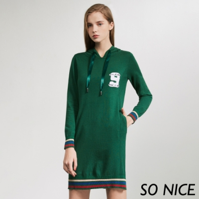 SO NICE率性字母連帽針織洋裝
