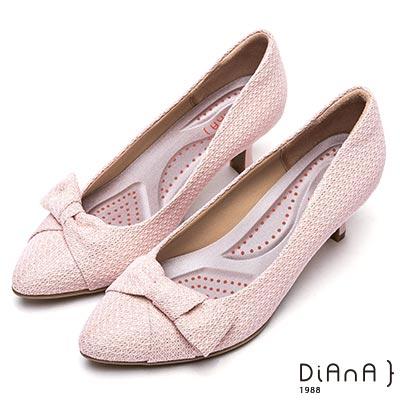 DIANA漫步雲端厚切輕盈美人—蝴蝶結綁飾蕾絲布跟鞋-粉