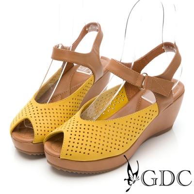 GDC-熱銷冠軍真皮沖孔簍空雕花透氣夏日楔型後底魚口百搭涼鞋-黃色