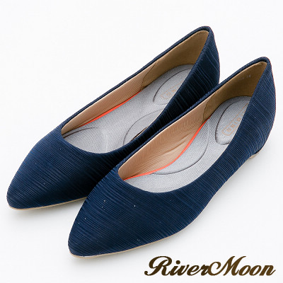 River&Moon跟鞋-舒壓彈性髮絲紋素面尖頭機能跟鞋-藍