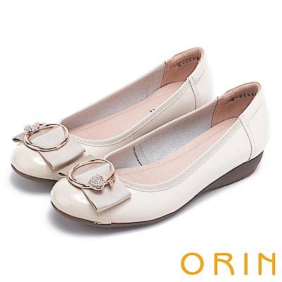 ORIN 甜美輕柔 愛心鑽飾點綴牛皮娃娃鞋-米色
