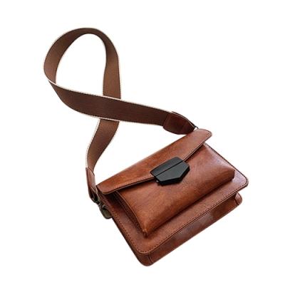 黑扣小方包(附皮、布背帶)  共三色 TATA