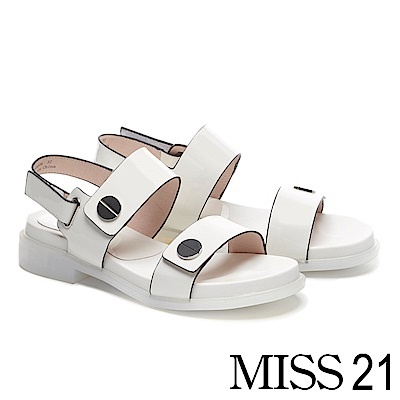涼鞋 MISS 21 摩登個性亮漆皮圓釦造型真皮厚底涼鞋-白