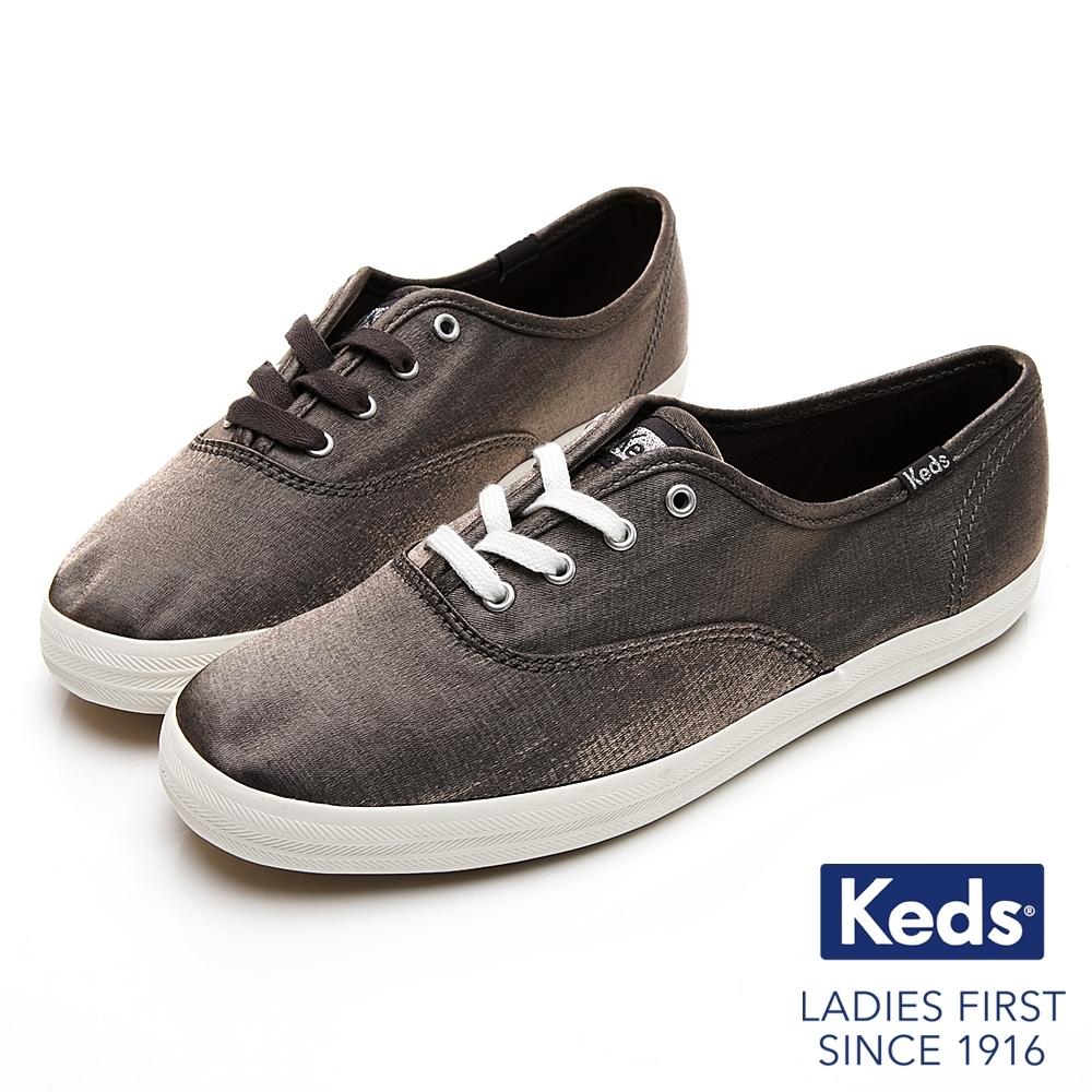 Keds CHAMPION 珠光綢緞復古綁帶休閒鞋-灰