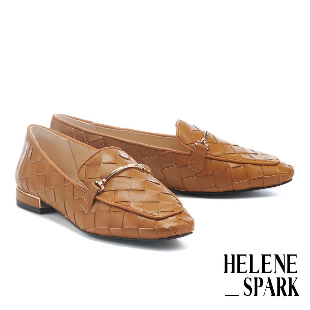 低跟鞋 HELENE SPARK 量感編織金屬長釦羊皮樂福低跟鞋-棕