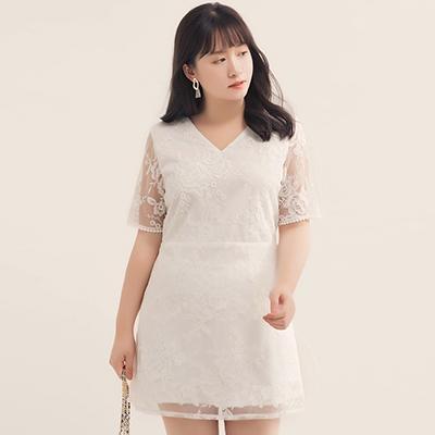 AIR SPACE PLUS 緹花蕾絲交叉綁帶短洋裝(白)