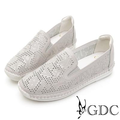 GDC-經典爆款簍空設計素色基本軟底舒適休閒鞋-灰色