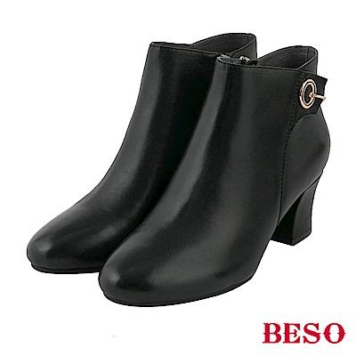 BESO 摩登美感 立體裁片粗跟短靴~黑牛皮