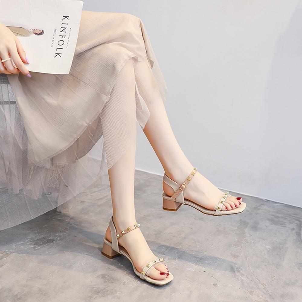 LN 一字帶鉚釘方頭低跟涼鞋-2色