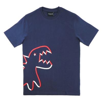 Agnes b.Sport b.經典恐龍圖案印花圓領短袖上衣(男) (深藍)