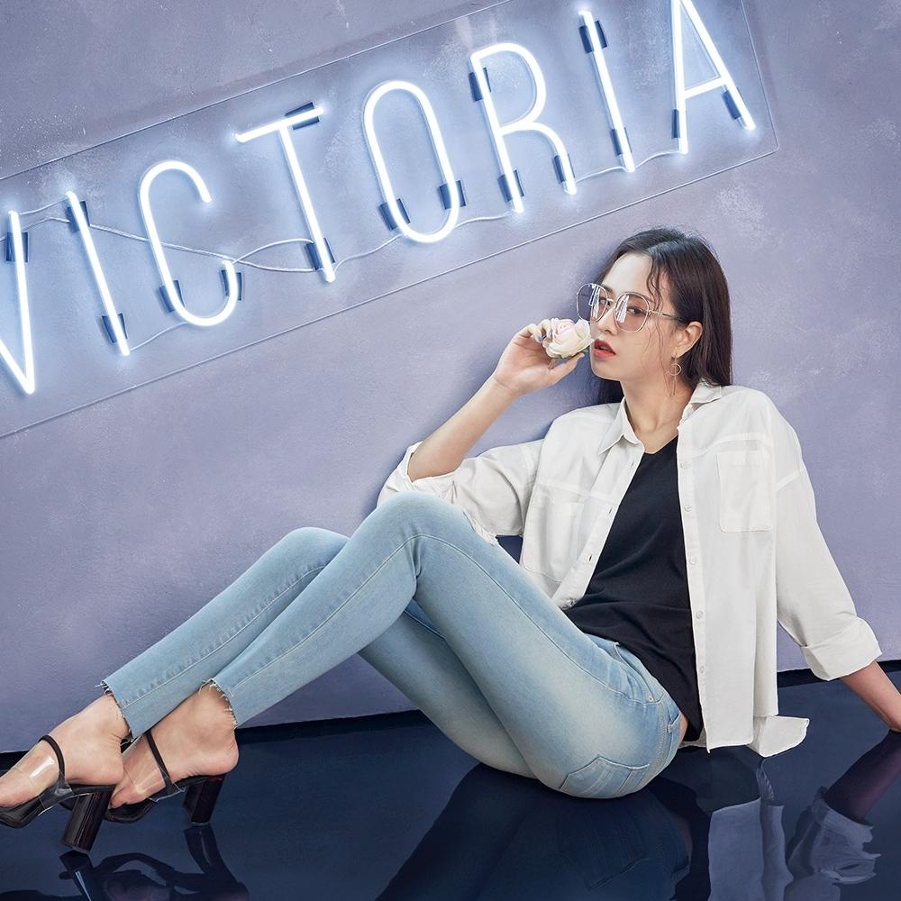 Victoria 素色BF落肩寬版女襯衫-女-牙白